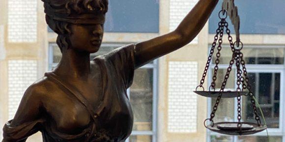 Justitia Recht Streit
