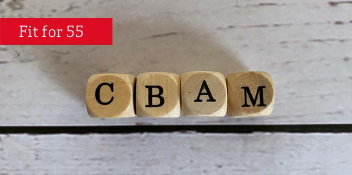 Würfel mit Buchstaben CBAM CarbonBorderAdjustmentMechanism